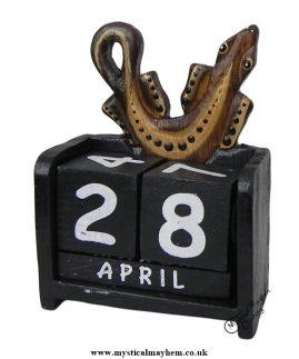 Handmade Wooden Calendar Gecko