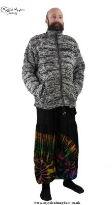 Men's Festival Clothing | Gent Hippy Tie Dye Outfit Idea