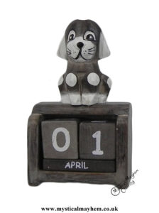 Spotty-Dog-Handmade-Wooden-Calendar