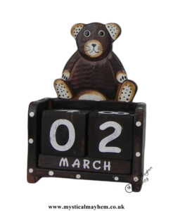 Teddy-Bear-Handmade-Wooden-Calendar