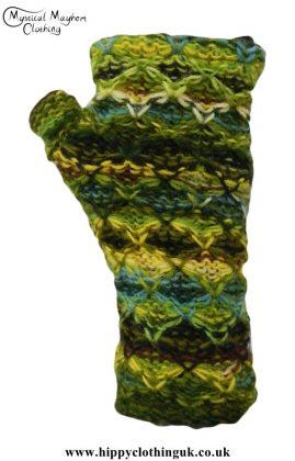Green-Criss-Cross-Pattern-Fleece-Lined-Wool-Wrist-Warmers